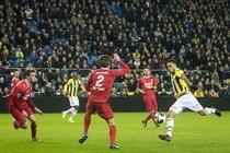 Lewis Baker, hier scorend tegen FC Twente, kan donderdag spelen tegen Feyenoord. © anp pro shots.
