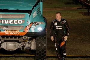 Gerard de Rooy naast zijn truck. © EPA