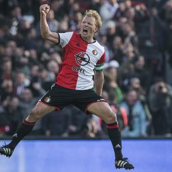 Dirk Kuyt juicht na de 1-1 tegen Ajax. © Matty van Wijnbergen